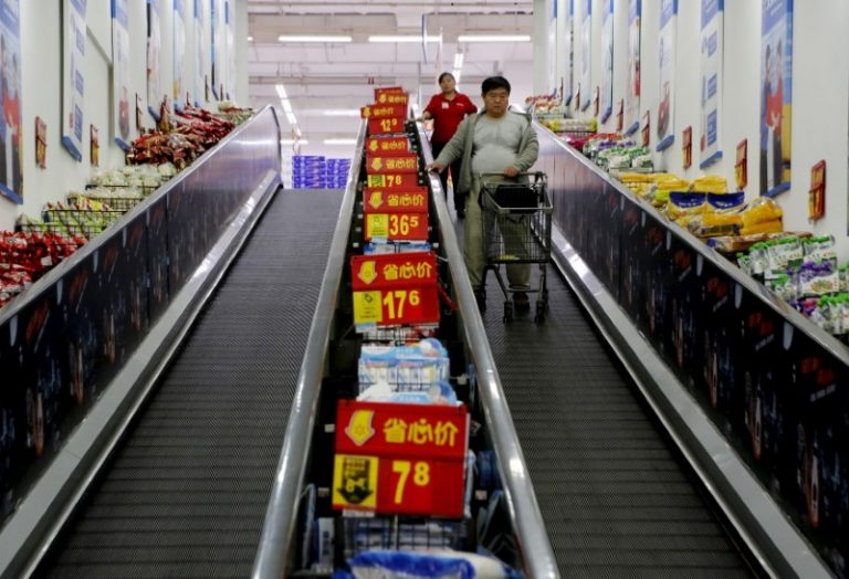 Главные новости: напряженность в Азии, запасы нефти и продажи авто