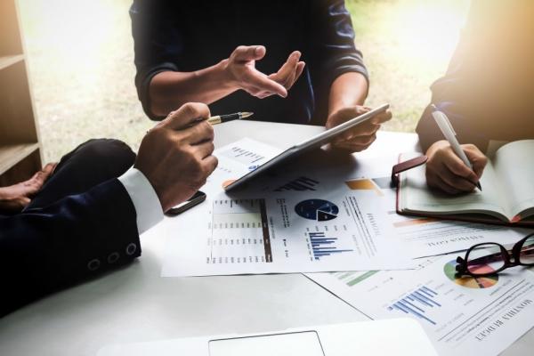 Как правильно вкладывать деньги в ценные бумаги